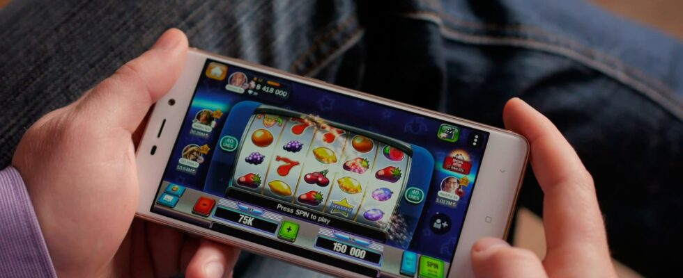 playing mobile slots